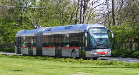 Le trolleybus articulé (ici à Lyon), adapté à la Ligne 2, mais à la première© Lyon-en-Lignes.org